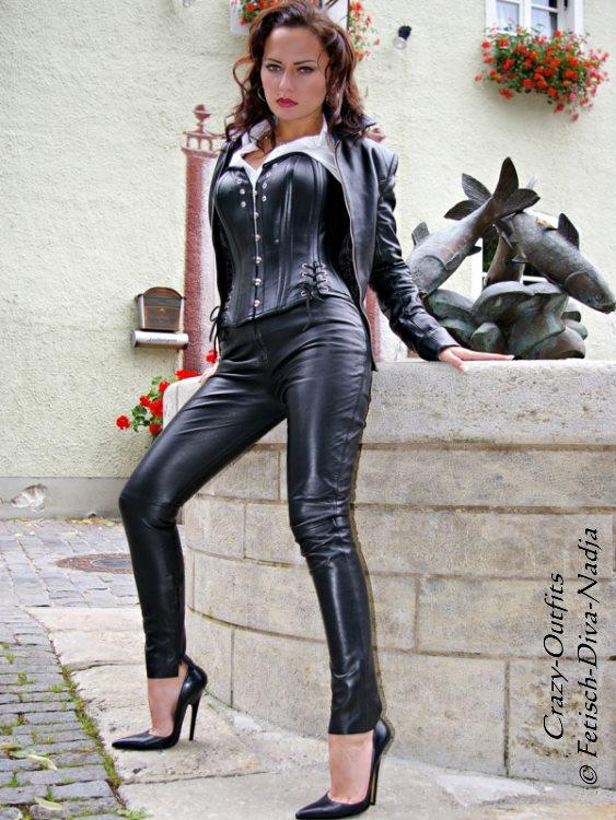 Lederhose Leder Hose Schwarz Knalleng Lowwaist Maßanfertigung